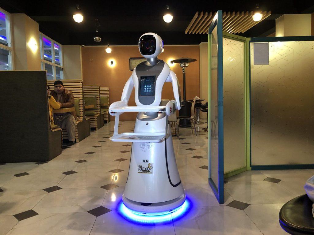 robot serveur
